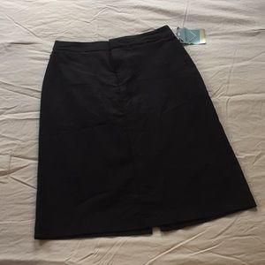 BRAND NEW Dockers Black pencil skirt, size 6